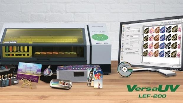 Roland DG presenta la nueva impresora VersaUV LEF-200