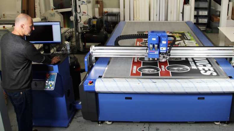WER boxes clever with DYSS X5-1630 digital cutting table