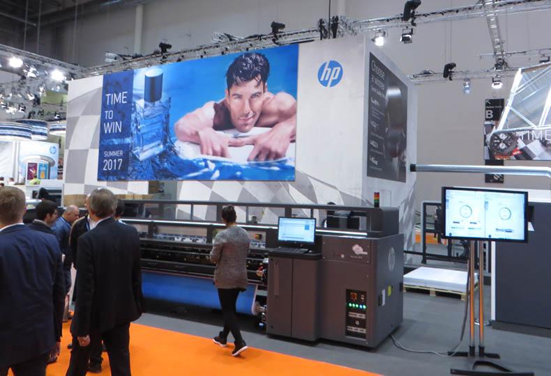 HP bringt HP Latex-Technologie für Plattendruck zur FESPA