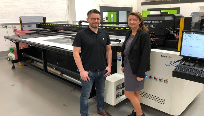 Dale Studios meets growing business demands with 3.2m Agfa Anapurna H3200i LED