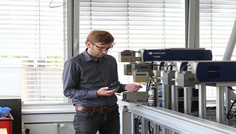 Domino kooperiert mit Procter and Gamble bei innovativem Flaschendruckprojekt
