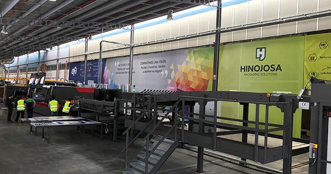 Hinojosa steigt mit EFI NozomiC18000 im Mehrschichtbetrieb ein