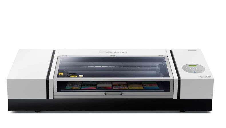 Produktive Personalisierung mit UV-Druck und Lasergravur von Roland DG
