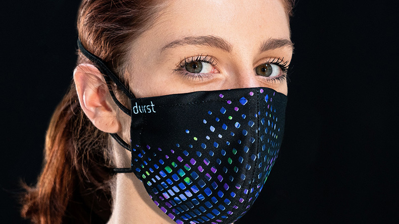 """Durst produziert """"Community-Masken"""" in Brixen"""