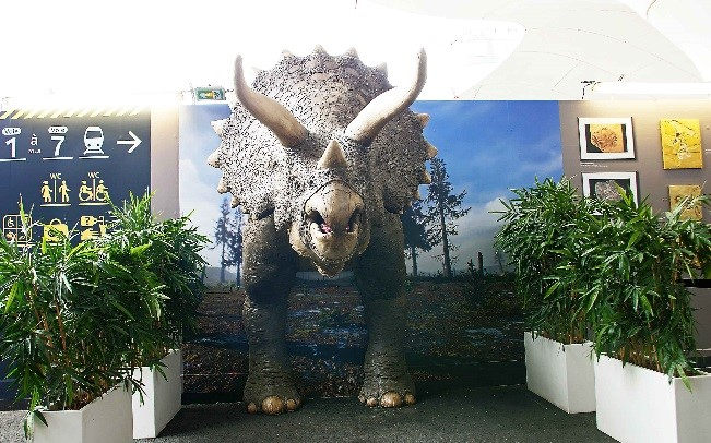 METROPOLE produces life-size Triceratops in Paris using Massivit 3D Printing