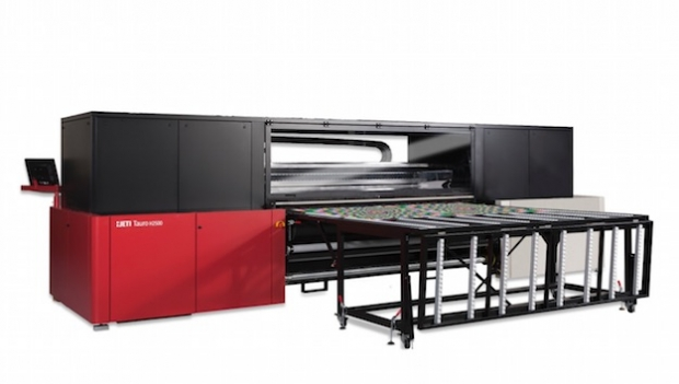Choosing the best flatbed printer for your business at FESPA 2017