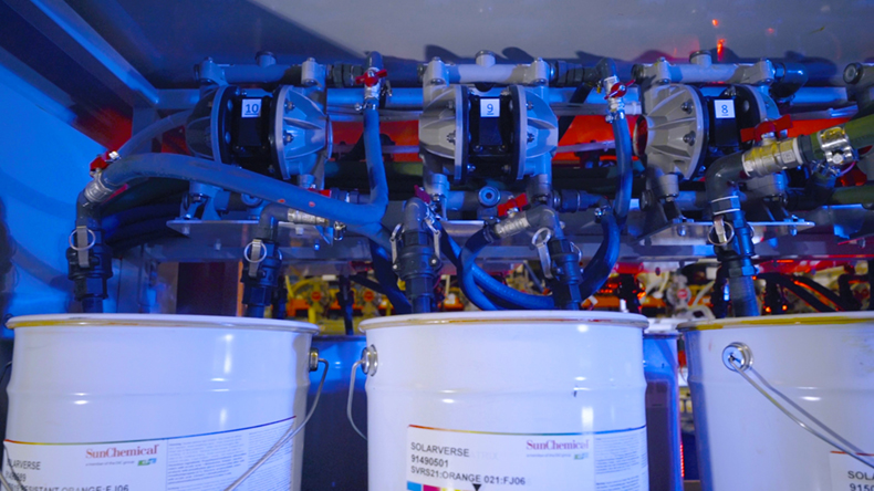 Sun Chemical bringt erstes UV-Flexodruckfarben-Konzentrat für Standard-Farbdosiersysteme auf den Mar