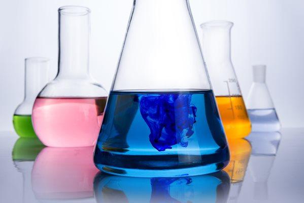 Nachhaltige Zertifizierung für die Lieferkette des digitalen Textildrucks Kapitel 3: Tinten und Chem